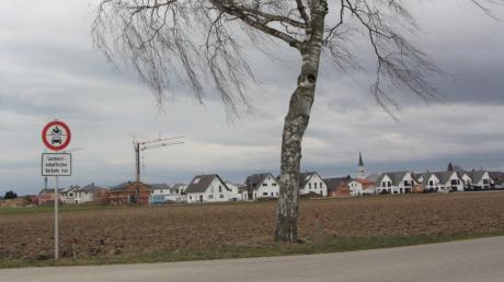 Das Baugebiet südlich der Langerringer Straße wächst weiter. Nun wurden erweiterte Regeln für Nebengebäude beschlossen.