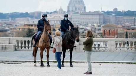 Seit dem 15. März gilt für Millionen Menschen in Italien wieder ein strikter Lockdown, wie hier in der Hauptstadt Rom.