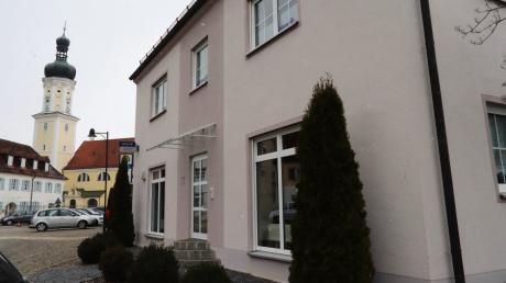 Im Erdgeschoss dieses Hauses Marktplatz 2 wird die Kühbacher Schnellteststation eingerichtet. Sie ist derzeit in Planung.