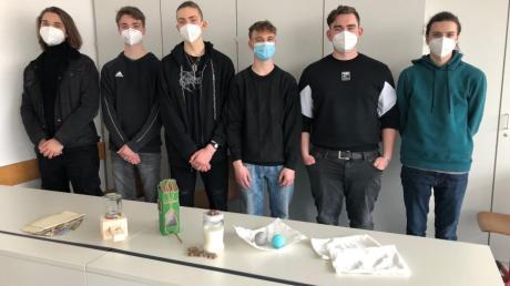 Die Schüler des Nikolaus-Kopernikus-Gymnasiums in Weißenhorn stellen ihre nachhaltigen Produkte vor.