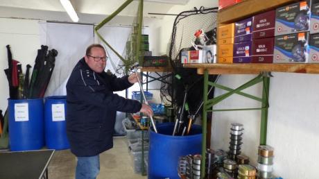 Christoph Trinkwalder verwirklicht sich in Allmannshofen seinen Traum vom eigenen Anglerladen.