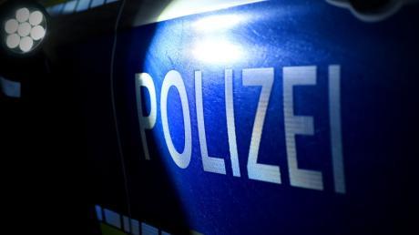 Die Polizei berichtet von einem Unfall auf der B 300 Höhe Steppach.