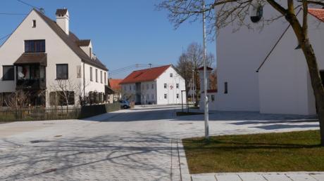 Die ursprünglich nur für den Bereich des Holzheimer Dorfplatzes erwogene Tempo-30-Zone soll jetzt deutlich erweitert werden.