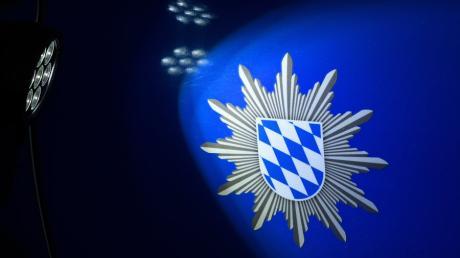 Die Nördlinger Polizei sucht Zeugen einer Unfallflucht bei Möttingen. (Symbolbild)