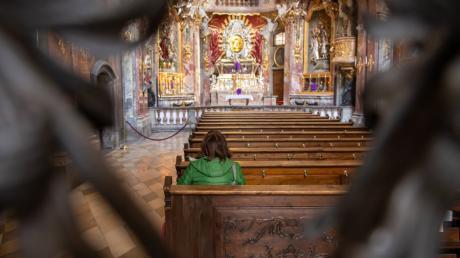 Wie leer die Kirchen an Ostern im Landkreis Neu-Ulm bleiben werden, wird sich zeigen. Klar ist: Präsenzgottesdienste dürfen stattfinden.