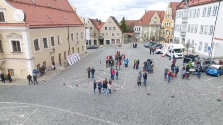 Die Polizei schätzt, dass etwa 70 Personen an der frieddlichen Veranstaltung beteiligt waren. Es gab eine Erlaubnis für 150 Personen.