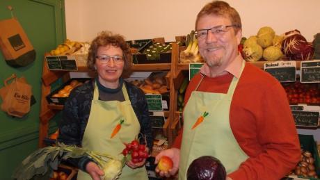 Gertrud und Andreas Kerler verkaufen in ihrem neuen Laden in Walkertshofen Lebensmittel in Bioqualität.