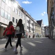 Die Corona-Zahlen in Augsburg sind in den letzten Wochen gesunken, das ermöglicht nun weitere Lockerungen.