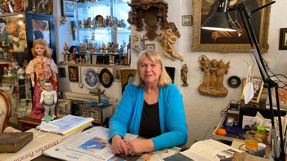 Betty Elenore Zogler-Berger in ihren Antikladen