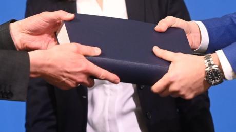 Am 18. März übergab der Kölner Strafrechtler Björn Gercke dem Kölner Erzbischof Rainer Maria Woelki sein Gutachten zum Umgang des Erzbistums Köln mit sexuellem Missbrauch.