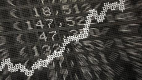 Der Deutsche Aktienindex eilt von Rekord zu Rekord. Lohnen sich Aktien auch für die Altersvorsorge?.