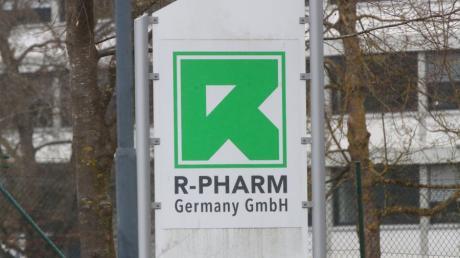 R-Pharm in Illertissen wird zum Austragungsort weltpolitischer Machtspielchen. Mittendrin: das Neu-Ulmer Landratsamt.