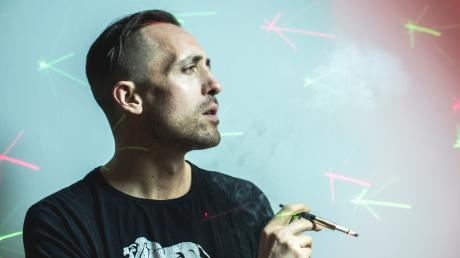 Rapper Denger Dan alias Daniel Pongratz schießt mit seinem neuen Song gegen Rechts.