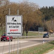 Die B300 wird zwischen Dasing-Oberzell und Dasing-Nord wegen Bauarbeiten gesperrt. Auch bei Friedberg wird gebaut.