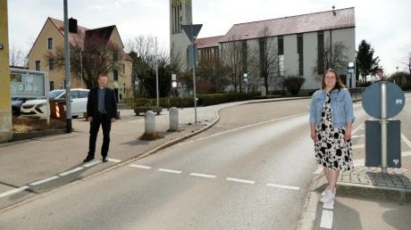 Die beiden CSU-Politiker Miriam Streit-Zach und Herwig Leiter wollen mehr Geschwindigkeitskontrollen vor Schulen und Kindergärten.