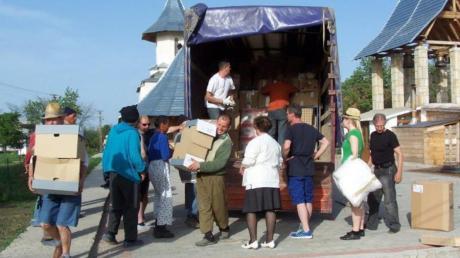 An den Zielorten rund um die Stadt Iasi werden die Hilfstransporte aus den Stauden stets freudig begrüßt und schnell entladen. Am 24. April ist der nächste Sammeltag in Langenneufnach.