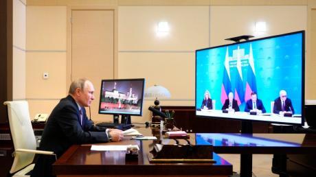 Was plant der russische Präsident Wladimir Putin in dem Konflikt um die Ostukraine?