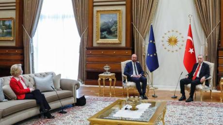«Die Präsidentin war ganz klar überrascht»: Beim EU-Türkei-Treffen in Ankara wurde EU-Kommissionschefin von der Leyen nicht auf Augenhöhe mit Türkeis Präsident Erdogan und EU-Ratspräsident Michel platziert.