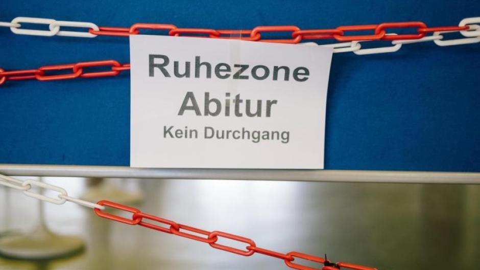 Die Abiturprüfungen beginnen am Mittwoch. 950 Gymnasiasten sind es in Augsburg.