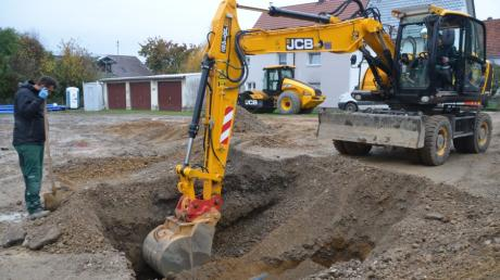 In diesem Jahr wird die Sanierung der Dorfstraße in Au fortgesetzt. Darüber hinaus bekommt der Ort ein neues Baugebiet.