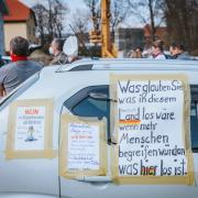 Die Kundgebung von Gegnern der Corona-Maßnahmen fand in Dießen auf dem Parkplatz an der Rotter Straße statt.