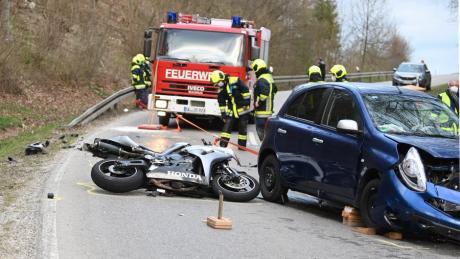 Tödlich verletzt hat sich ein 55-jähriger Motorradfahrer bei einem Unfall bei Blaustein.