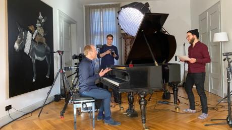Der Altomünsterer Pianist Markus Kreul hat im Lockdown einen Video-Podcast entwickelt. Die Aufnahmen fanden im ehemaligen Verstärkeramt in Pfaffenhofen/Ilm statt.