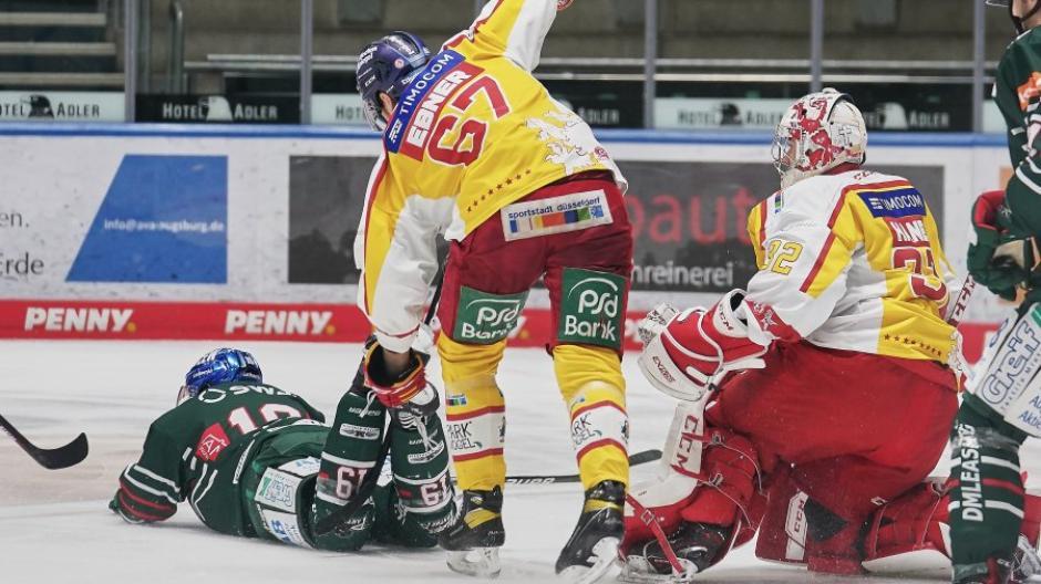 Für die Augsburger Panther war es eine blamable Vorstellung im Curt-Frenzel-Stadion: Mit 1:7 verloren sie das Spiel gegen die Düsseldorfer EG.