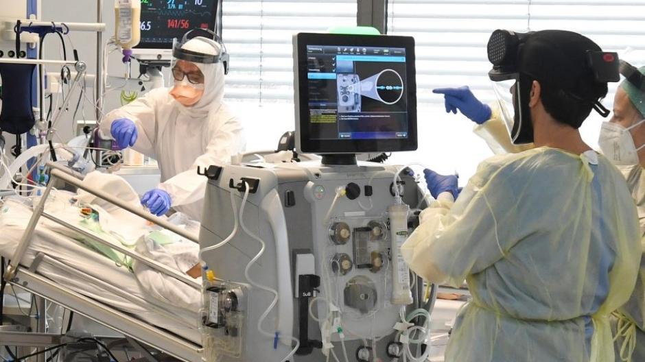 Die Anzahl der Corona-Patienten an der Augsburger Uniklinik steigt wieder. Derzeit werden 25 Infizierte auf der Intensivstation behandelt.