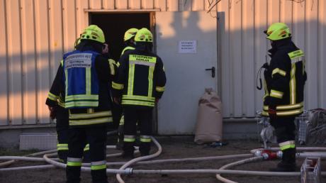In diesem Gebäude der Firma ESG Kräuter in Hamlar geriet eine Filteranlage in Brand. Die Löscharbeiten waren für die Feuerwehr anstrengend.