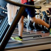 Fitnessstudios dürfen im Landkreis Neuburg-Schrobenhausen nun doch nicht öffnen. Sie gelten als Freizeiteinrichtungen.