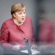 Bundeskanzlerin Angela Merkel hat am Freitag ihre Impfung mit AstraZeneca erhalten.