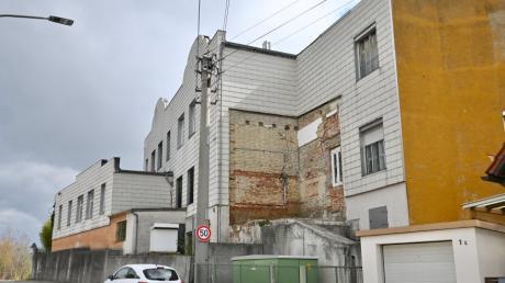 Die ehemalige Nudelfabrik in Westheim von der Von-Rehlingen-Straße aus.