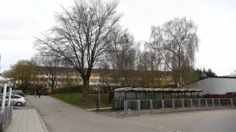 Der Schulgarten in Burgau soll nach dem Willen von Bürgern, Bund Naturschutz und SPD erhalten bleiben.
