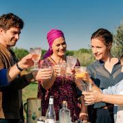 Ein Tisch in der Provence - Unverhoffte Töchter heute am 18.4.21 im ZDF: TV-Termin, Handlung, Darsteller