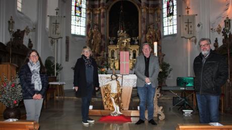 Margareta Leimer, Regina Hinz, Georgy Heinecker und Wolfgang Steuger von links gestalteten eine Corona-Andacht in der Langerringer Kirche.