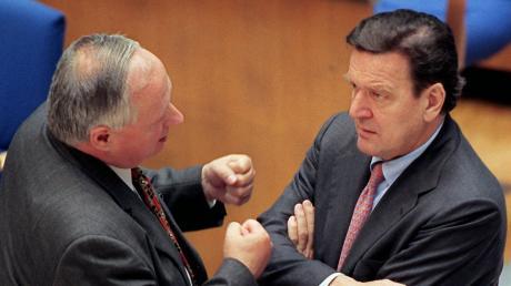 Alles andere als eine Männerfreundschaft: Gerhard Schröder und Oskar Lafontaine.