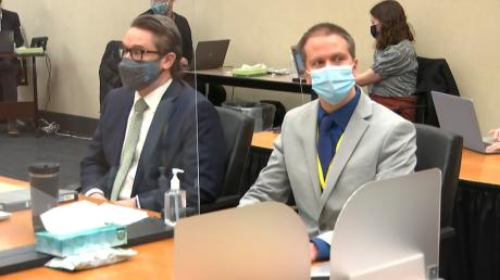 Wurde verurteilt: der Angeklagte Derek Chauvin (rechts).