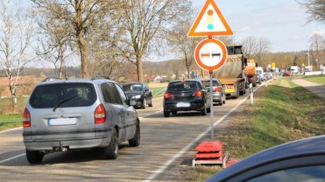 Jede Menge Geduld ist von den Verkehrsteilnehmern gefordert, die während der Hauptverkehrszeit von Witzighausen nach Weißenhorn fahren. Die Situation wird sich wahrscheinlich noch verschärfen.
