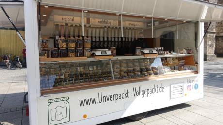 Am Unverpackt-Stand von Nicolas Tritschler auf dem Ulmer Wochenmarkt auf dem Münster-Platz gibt es eine große Auswahl.