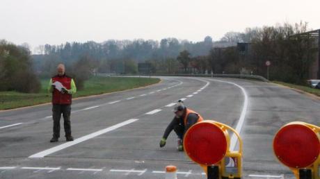 Das Verkehrschaos im Zuge der Großbaustelle B300 hält sich in Friedberg in Grenzen. Auch die Bauarbeiten laufen gut voran.