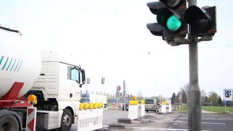 Das Verkehrschaos im Zuge der Großbaustelle B300 hält sich in Friedberg in Grenzen. Am Chippenham-Ring ist aber etwas mehr los.