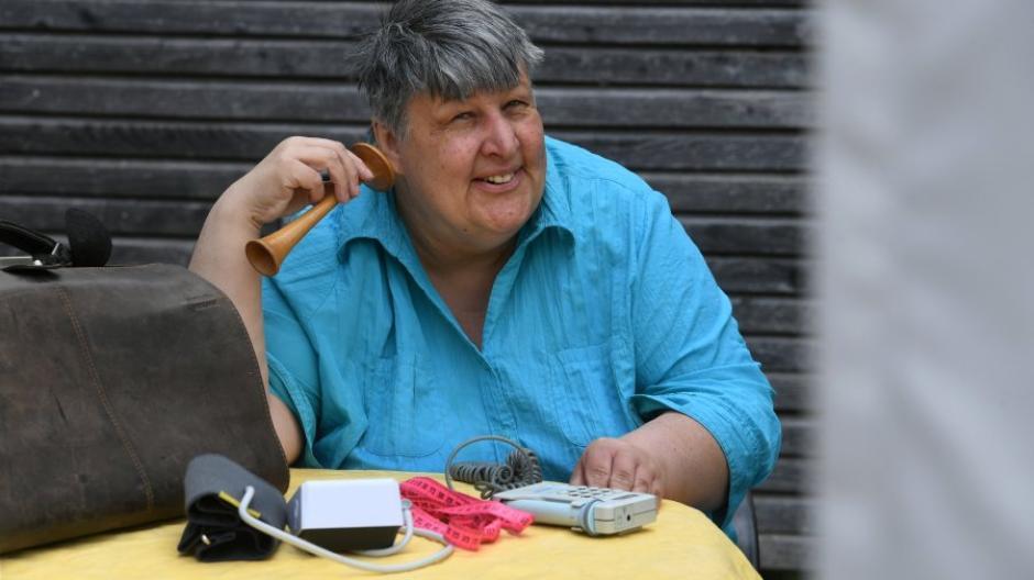 Die Hebamme Petra Maoro aus Gabelbach steht werdenden Eltern auch in Corona-Zeiten bei.