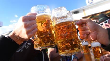 Ob es ein Oktoberfest 2021 geben wird, dazu steht eine Entscheidung derzeit noch aus. Münchner Wirte wollen aber wieder eine Wirtshauswiesn wie im vergangenen Jahr veranstalten.