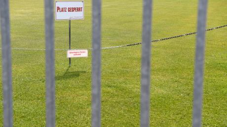 Auch die Fußballplätze und Vereinsgebäude des SC Bubesheim sind während der Corona-Pandemie verwaist. Im Herbst 2020 fand das letzte Heimspiel statt.