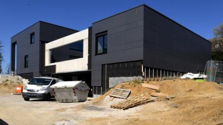 Der Bebauungsplan für die westliche Kobelstraße mit den beiden modernen Villen befindet sich in der Endphase.