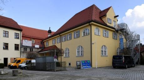 Im Mansardengebäude des Schlosses könnte einmal ein Jugendraum entstehen. Darüber hat der Gemeinderat jetzt in seiner Sitzung gesprochen.