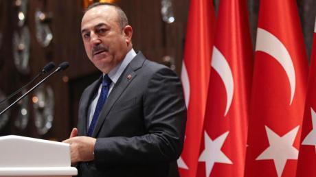Verärgert über US-Präsident Biden: Der türkische Außenminister Mevlüt Cavusoglu.