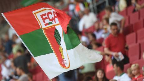 Im Stadion waren Fans des FC Augsburg lange nicht mehr. Ihre Meinung äußerten sie in den vergangenen Monaten in den sozialen Netzwerken.