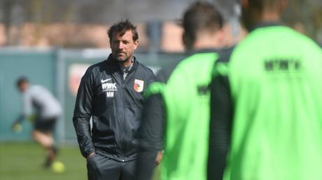 Volle Konzentration fordert Trainer Markus Weinzierl von seinen Spielern.